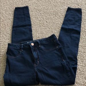 American Eagle skinny jean size 6 dark wash